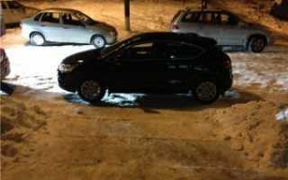 Можно ли парковать машину у подъезда